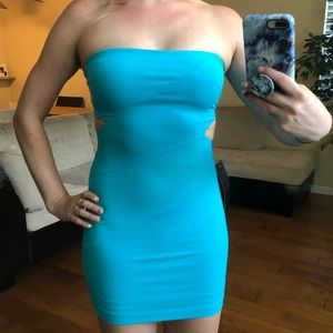 BEBE STRAPLESS DRESS WITH CUTOUTS - EXTRA SMALL